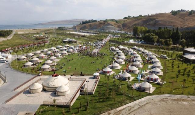 Ahlat'taki kutlamalar coşkuyla devam ediyor