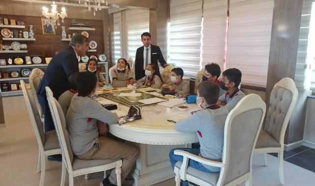"""Ahlat'taki öğrencilerden """"Cittaslow Sunday"""" etkinliği"""