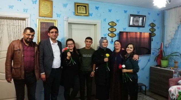 Ahlat'ta 365 öğretmen 420 veliyi ziyaret etti