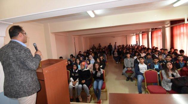 Ahlat'ın kültür mirasları öğrencilere tanıtıldı
