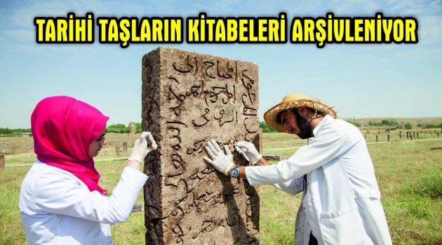 Ahlat'ta ki tarihi taşların kitabeleri arşivleniyor