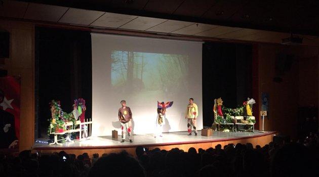 Ahlat'ta sahnelenen çocuk tiyatrosu ilgi gördü