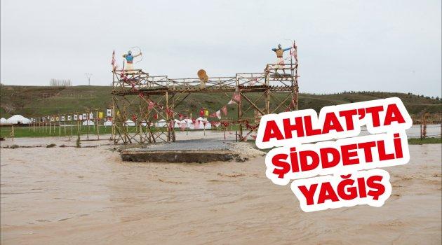 Ahlat'ta Şiddetli Yağış