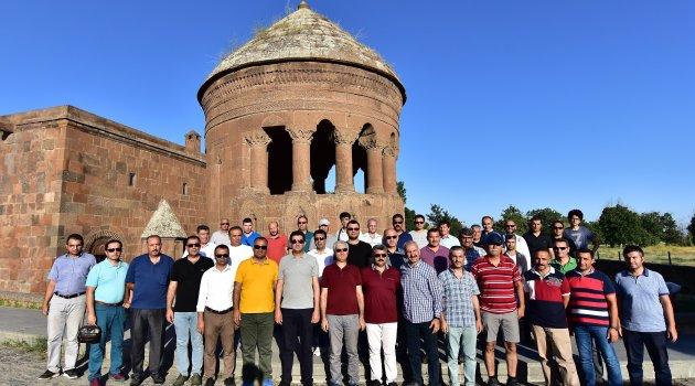 Eğitimciler, Ahlat'ın tarihi mekanlarını gezdi