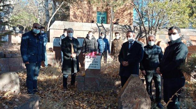 Ahlat'ta hayatını kaybeden öğretmenlerin kabirleri ziyaret edildi