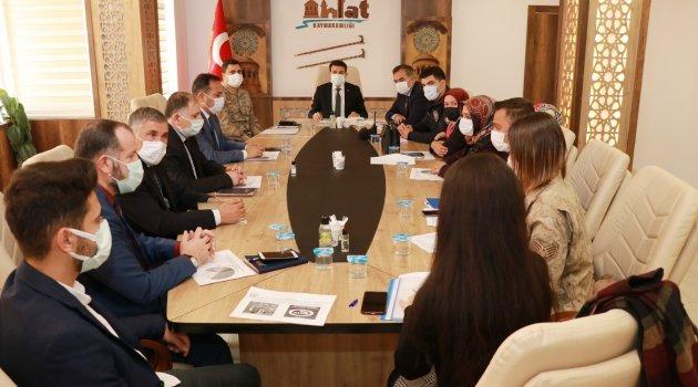 Ahlat'ta kadına yönelik şiddetle mücadele toplantısı