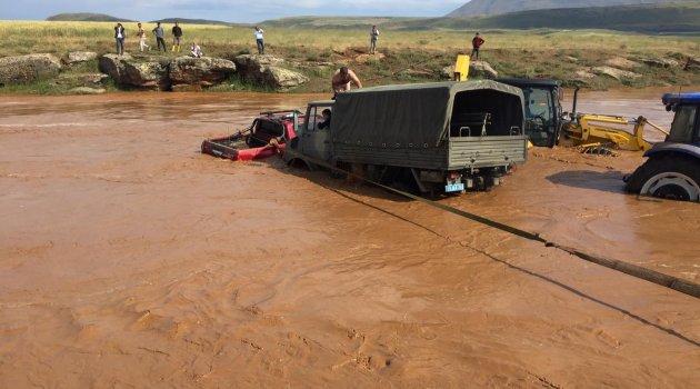 Ahlat'ta su baskınları tarım alanlarına zarar verdi