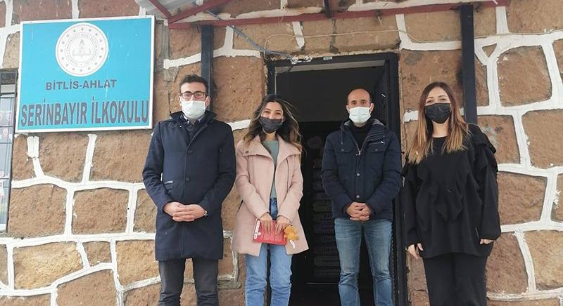 Ahlat Ülkü Ocakları'ndan köy öğrencilerine destek