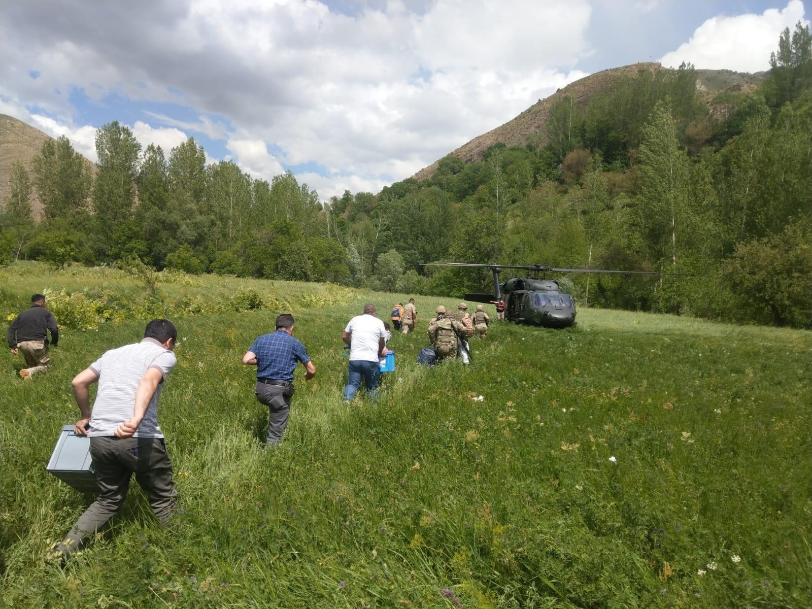 LGS'ye giren köy öğrencilerinin imdadına jandarma helikopteri yetişti
