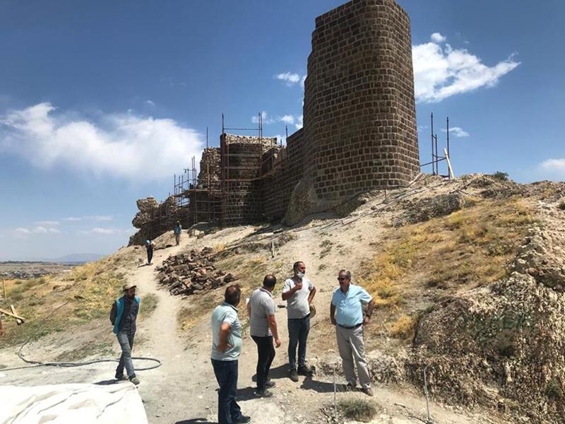 Urartular dönemine ait 3 bin yıllık kalede restorasyon çalışması