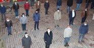 Ahlat Belediyesi personelleriyle İstiklal Marşı okudu
