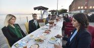 AHLATLI  ÜRETİCİLER DENİZBANK İFTARINDA BİR ARAYA GELDİ